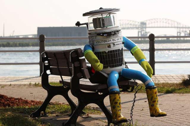 le robot hitchbot