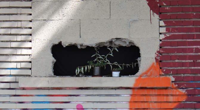 un trou dans le mur